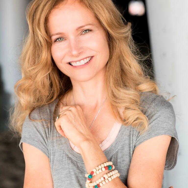 Carol Allen headshot